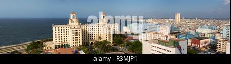 Cuba, Havana. Panoramic city view. Credit as: Wendy Kaveney / Jaynes Gallery / DanitaDelimont.com - Stock Image