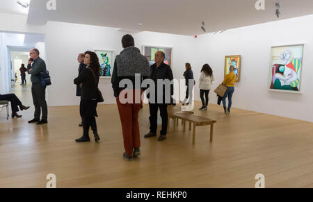 Paris, France, People Looking inside Picasso Museum, Modern Art Gallery - Stock Image