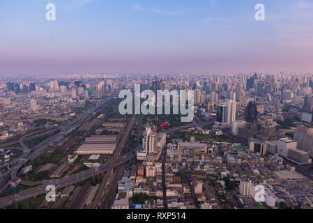 Bangkok Downtown aerial view near the Baiyoke Tower at dusk - Stock Image