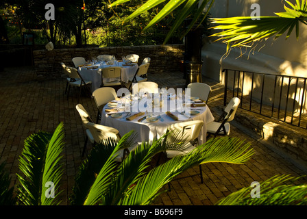La Villita historic arts village san Antonio texas tx dining open air restaurant table surrounded green plants  - Stock Image