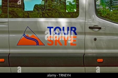 INVERNESS CITY SCOTLAND TOUR SKYE SIGN ON MINI BUS - Stock Image