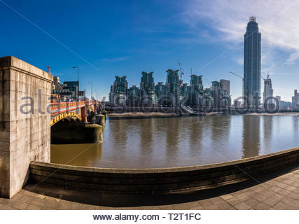 Vauxhall Bridge over the River Thames, London, England, UK, with St George Wharf Tower (Vauxhall Tower) - Stock Image