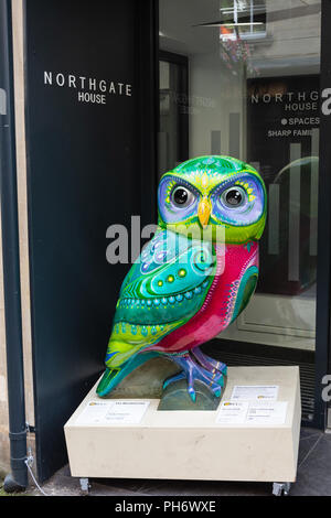 The Mindful owl on display outside Northgate House and sponsored by Spaces Bath as part of the Minerva owls sculpture trail - Stock Image