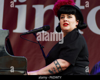 Montreal, Canada. 6/29/2018.Davina delivers characteristic New Orleans jazz at the Montreal International Jazz Festival. Credit: richard prudhomme/Alamy Live News - Stock Image