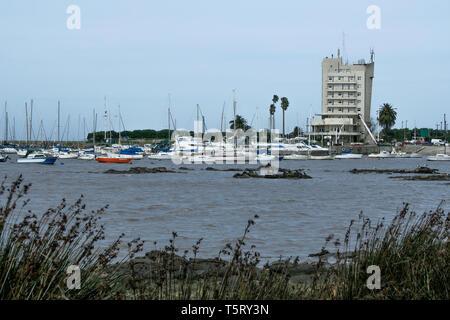 Yachts at Puerto del Buceo (Buceo Port), Yacht Club Uruguayo (Uruguayan Yacht Club) building, Montevideo, Uruguay - Stock Image