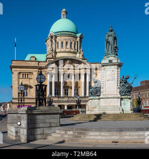 City Hall,Queen Victoria,Statue,Kingston upon Hull,England - Stock Image