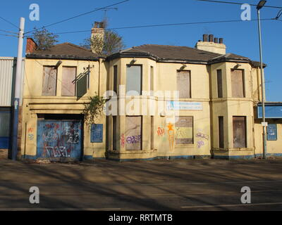 A closed down, semi derelict former pub (The Burgoyne Arms) in Sheffield, UK. Shut pub - Stock Image