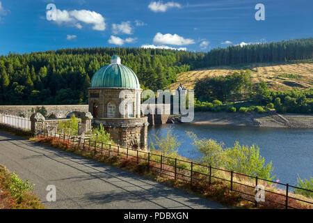 Foel Tower Garreg Ddu Dam with Nantgwyllt Chapel in the background Elan Valley Powys Wales UK - Stock Image