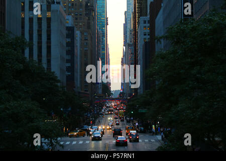 NEW YORK, NY - JULY 10: Best shots of partiall failed Manhattanhenge taken atop Tudor City overpass, Manhattan on JULY 10th, 2017 in New York, USA. (P - Stock Image