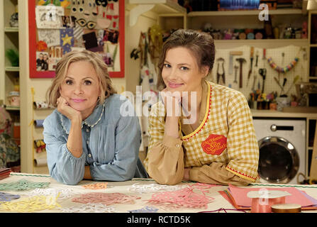 AT HOME WITH AMY SEDARIS-  Time/Warner TV series with Gillian Jacobs at left and Amy Sedaris - Stock Image