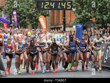 The start of the Elite Women's race during the Simply Health Manchester Run. - Stock Image
