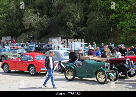 Cars fill the Finishing Straight, British Marques Day, 28 April 2019, Brooklands Museum, Weybridge, Surrey, England, Great Britain, UK, Europe - Stock Image
