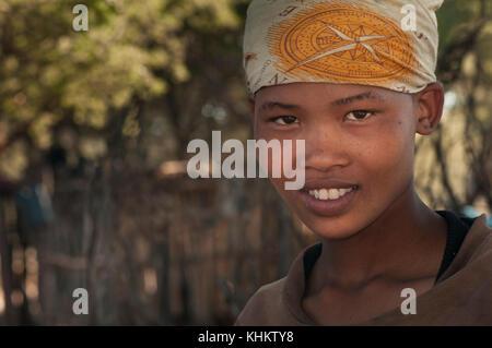 Botswana, Kalahari Bushman, bush woman, young woman - Stock Image