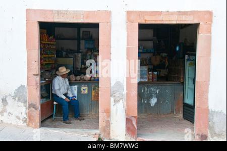 Mineral de Pozos Guanajuato Mexico shopkeeper - Stock Image
