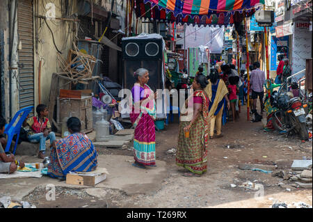 The alleys and streets in George Town, Chennai - a vibrant mix of heat, colours, smells, crowds, and tastes - Stock Image