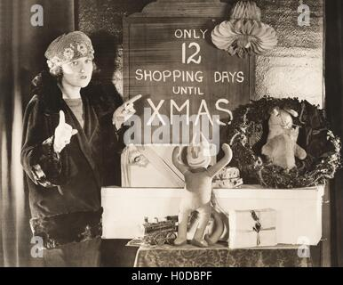 Only 12 shopping days until Xmas - Stock Image