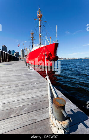 Wide-angle front view of Lightship WLV-612 (Nantucket Lightship) moored in Boston Harbour - Stock Image