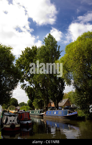 Narrowboats moored on the Trent and Mersey Canal at Burton on Trent, Staffordshire, England, UK, GB, Great, Britain, - Stock Image