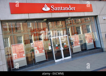 Santander, Horsefair Street, Leicester, England, UK - Stock Image