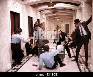 ROBBERY SCENE, THE THOMAS CROWN AFFAIR, 1968 - Stock Image