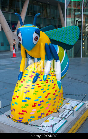 Bee-vina McCall, by Jen Pye.  One of the Bee in the City sculptures, Spinningfields Square, Manchester, UK. - Stock Image
