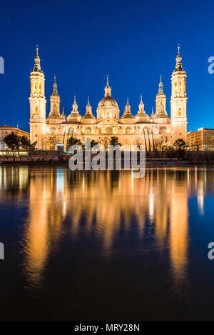 Cathedral of Our Lady of the Pillar at dusk. Zaragoza, Aragon, Spain, Europe - Stock Image