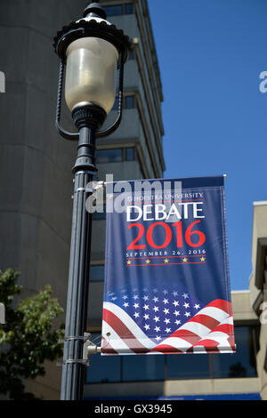 Hempstead, New York, USA. September 13, 2016. On old-fashioned lamppost is Hofstra University Debate 2016 banner - Stock Image