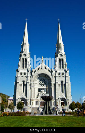 Ste Anne de Beaupre basilica Chateau Richer QC - Stock Image