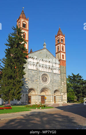 Basilica of St Andrea(1227) in Vercelli - Piedmont - Italy - Stock Image