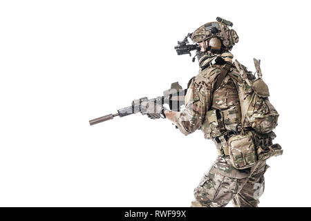 Studio shot of an Army Ranger in field uniform wearing a Shemagh Kufiya scarf. - Stock Image