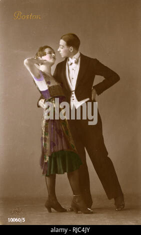 USA - A stylish 1920s couple dance the Boston Two-Step - an americanized version of the waltz. - Stock Image