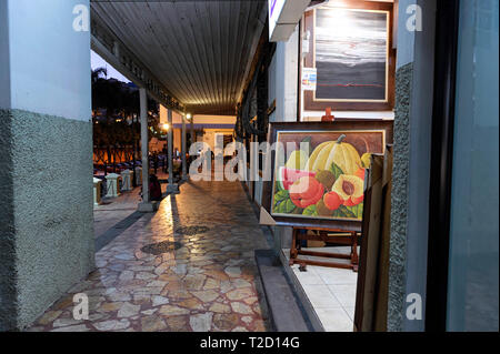 Art gallery selling paintings at Las Peñas, Guayaquil Ecuador - Stock Image