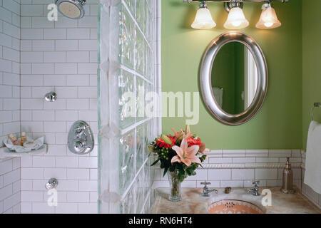 Bathroom Interior in the Landmark Inn Bed & Breakfast, Cooperstown, New York, USA, USA - Stock Image