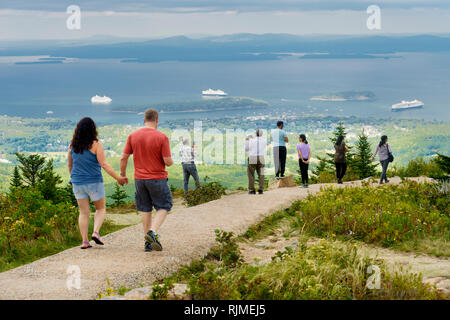 Visitors on the top of Cadillac Mountain, Acadia National Park, Maine, USA. - Stock Image
