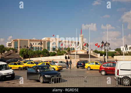 Heavy traffic close to city hall of Tunis, Tunisia - Stock Image
