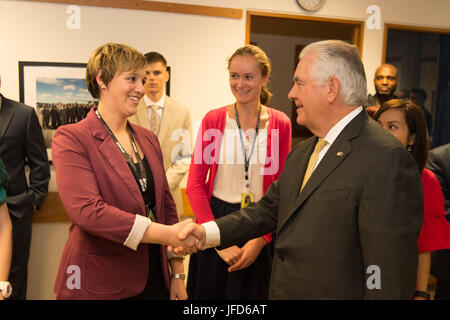 U.S. Secretary of State Rex Tillerson meets with U.S. Embassy colleagues in Wellington, New Zealand, on June 6, - Stock Image