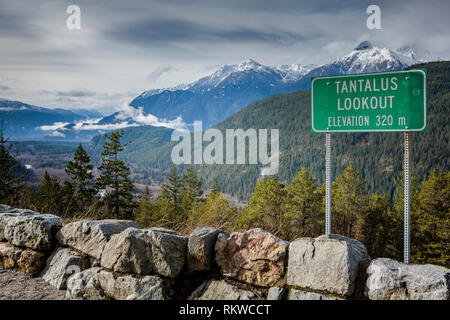 A view from the Tantalus Lookout. - Stock Image