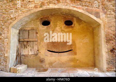ancient fountain, colle di val d'elsa, tuscany, italy - Stock Image