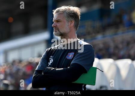 Carlisle United manager Steven Pressley during the Sky Bet Championship match at Brunton Park, Carlisle. - Stock Image