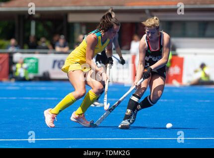 Krefeld, Germany, June 16 2019, hockey, women, FIH Pro League, Germany vs. Australia:  Savannah Fitzpatrick (Australia, L) and Lena Micheel compete. - Stock Image
