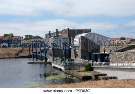 Katwijk The Netherlands Koning Willem-Alexander gemaal, een boezemgemaal, pumping station on the North Sea coast. - Stock Image