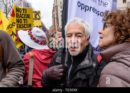 London, UK. 16th March 2019.  Glyn Secker, Jewish Voice for Labour, in the crowd. Thousands march through London on UN Anti-Racism day to say 'No to Racism, No to Fascism' and that 'Refugees Are Welcome Here', to show solidarity with the victims of racist attacks including yesterdays Christchurch mosque attack and to oppose Islamophobic hate crimes and racist policies in the UK and elsewhere. The marchers met in Park Lane where there were a number of speeches before marching to a rally in Whitehall. Marches took place in other cities around the world including Glasgow and Cardiff. Peter Marsha - Stock Image
