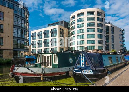 Narrow Boat,Boats,Regents Canal,London,England,UK - Stock Image