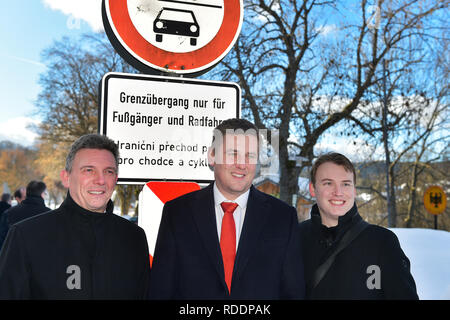 L-R Mayor of Bayerisch Eisenstein (Germany) Charly Bauer, Czech Foreign Minister Tomas Petricek and Mayor of Zelezna Ruda (Czech) are seen during their meeting on January 18, 2019, in Zelezna Ruda, Czech Republic. (CTK Photo/Miroslav Chaloupka) - Stock Image