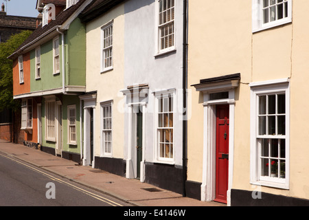 UK England, Suffolk, Bury St Edmunds, Churchgate St, colourful jettied timber framed houses - Stock Image