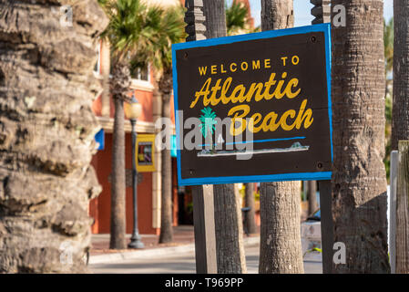 Atlantic Beach welcome sign in Northeast Florida, east of Jacksonville. (USA) - Stock Image