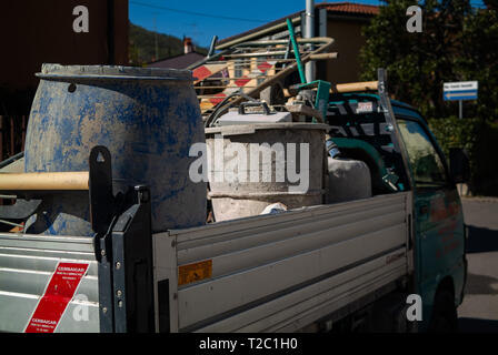 Sieci, Pontassieve . Florence, Italy - March, 31 2019 - Construction truck filled with metal and plastic garbage dangerous for environment - Stock Image