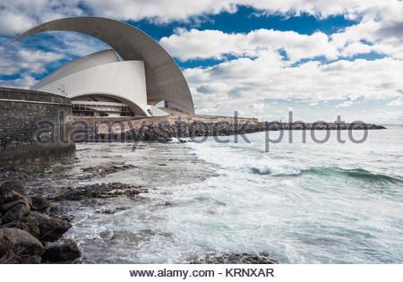 The seafront in Santa Cruz de Tenerife with the 17th century fort of Castillo de San Juan Bautista and the Auditorio - Stock Image