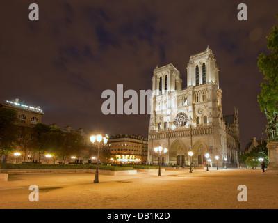 Notre Dame de Paris at night - Stock Image