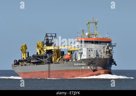 Hopperdredger Willem van Oranje operating off Cuxhaven - Stock Image